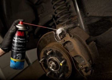 Как работает очиститель тормозов?